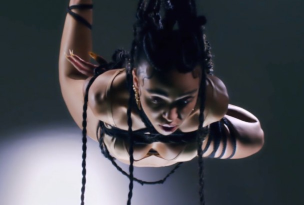 FKA-twigs-Pendulum-video-608x411