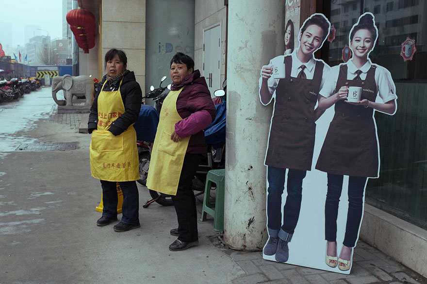 self-taught-perfectly-timed-street-photography-china-tao-liu-48