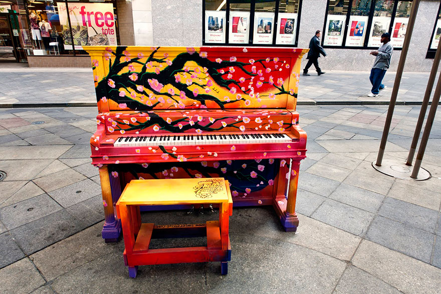 street-pianos-play-me-im-yours-project__880