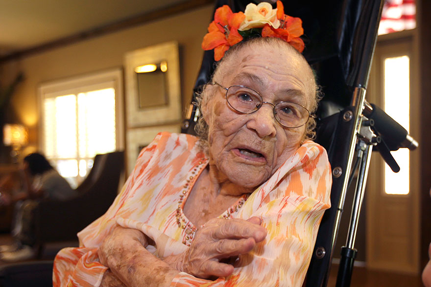 wolrds-oldest-person-gertrude-weaver__880