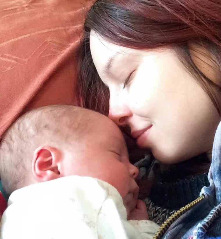 Fiona-baby-makeup-app-4