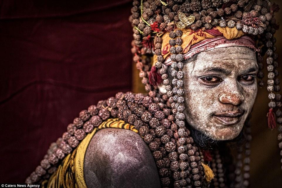 cannibali-india1