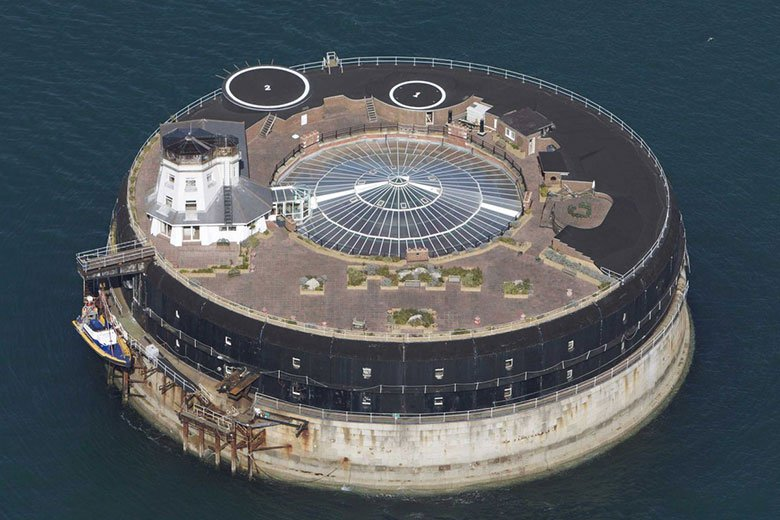this-19th-century-sea-fort-has-been-converted-into-a-modern-luxury-hotel-3
