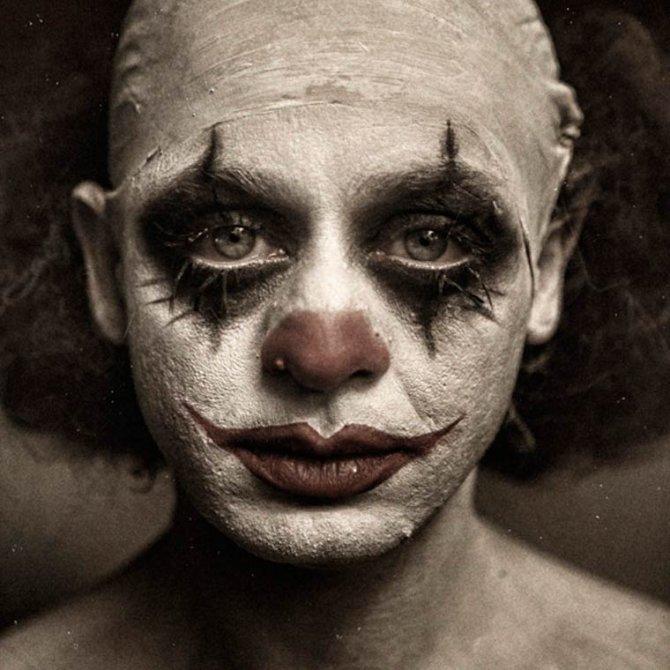 Eolo-Perfido-Clownville-21-670x670
