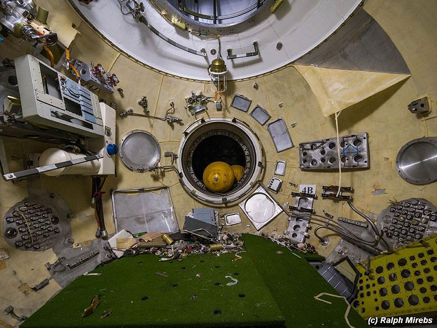 abandoned-soviet-space-shuttle-hangar-buran-baikonur-cosmodrome-kazakhstan-ralph-mirebs-11