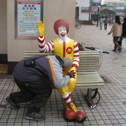 mcdonald-statue-another-blowjob