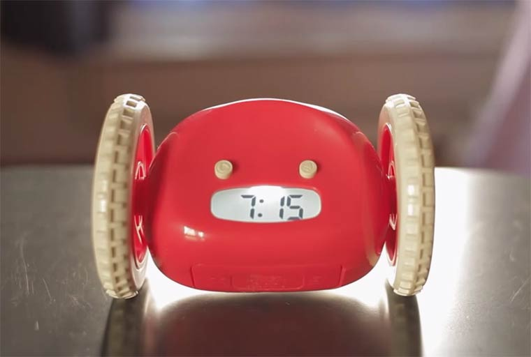 Clocky-and-Tocky-rolling-alarm-clocks-3