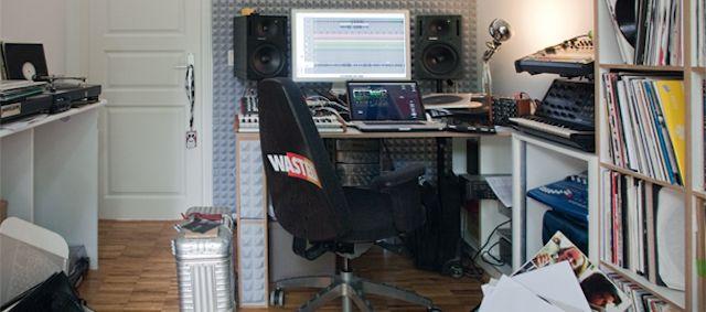 groove.de-DJ-chambre-MODESELEKTOR-Gernot-Bronsert-640x283