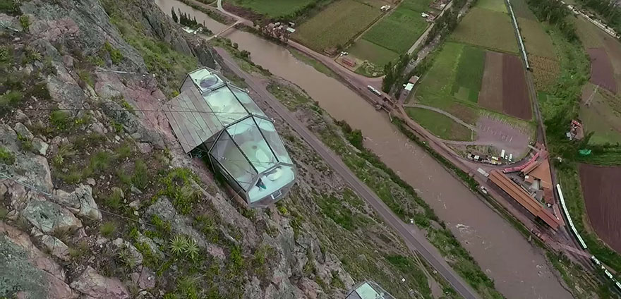 scary-see-through-suspended-pod-hotel-peru-sacred-valley-6