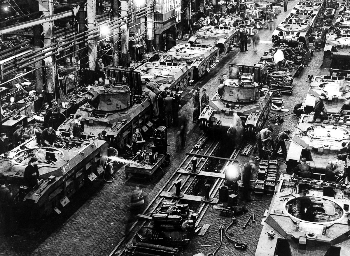 War and Conflict, World War Two, pic: circa 1940, Britain, Arms Factories, A tank production line showing a flurry of activity in the factory