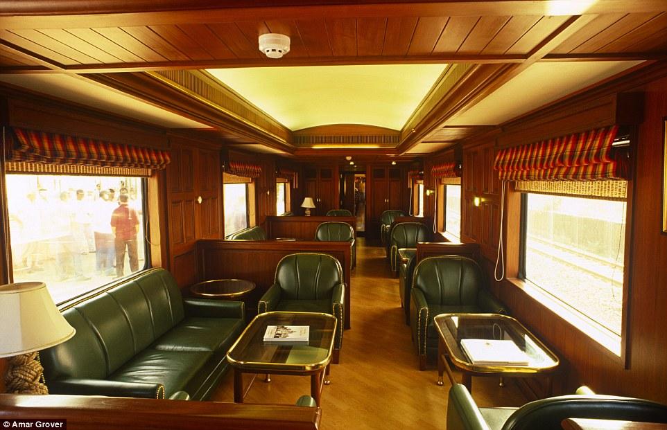 viaggio sui treni pi lussuosi al mondo darlin magazine. Black Bedroom Furniture Sets. Home Design Ideas