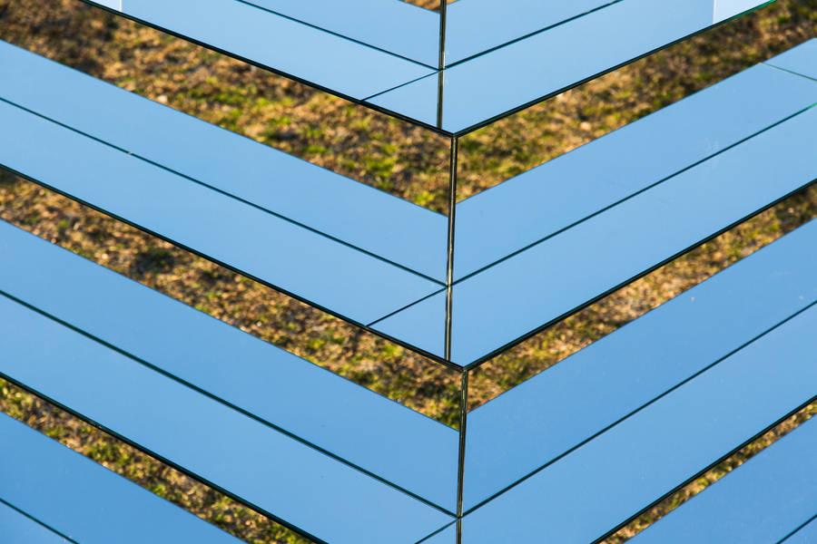 MirroredZiggurattoConnectTheEarthandSky3-900x600