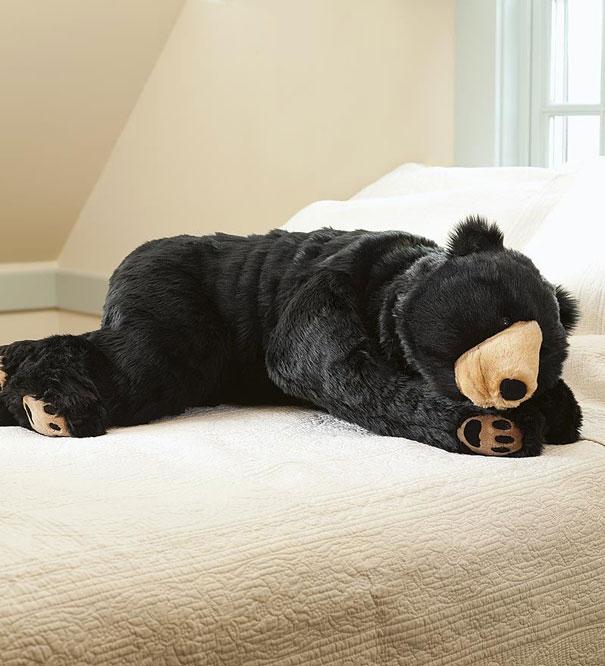 bear-sleeping-bag-eiko-ishizawa-12