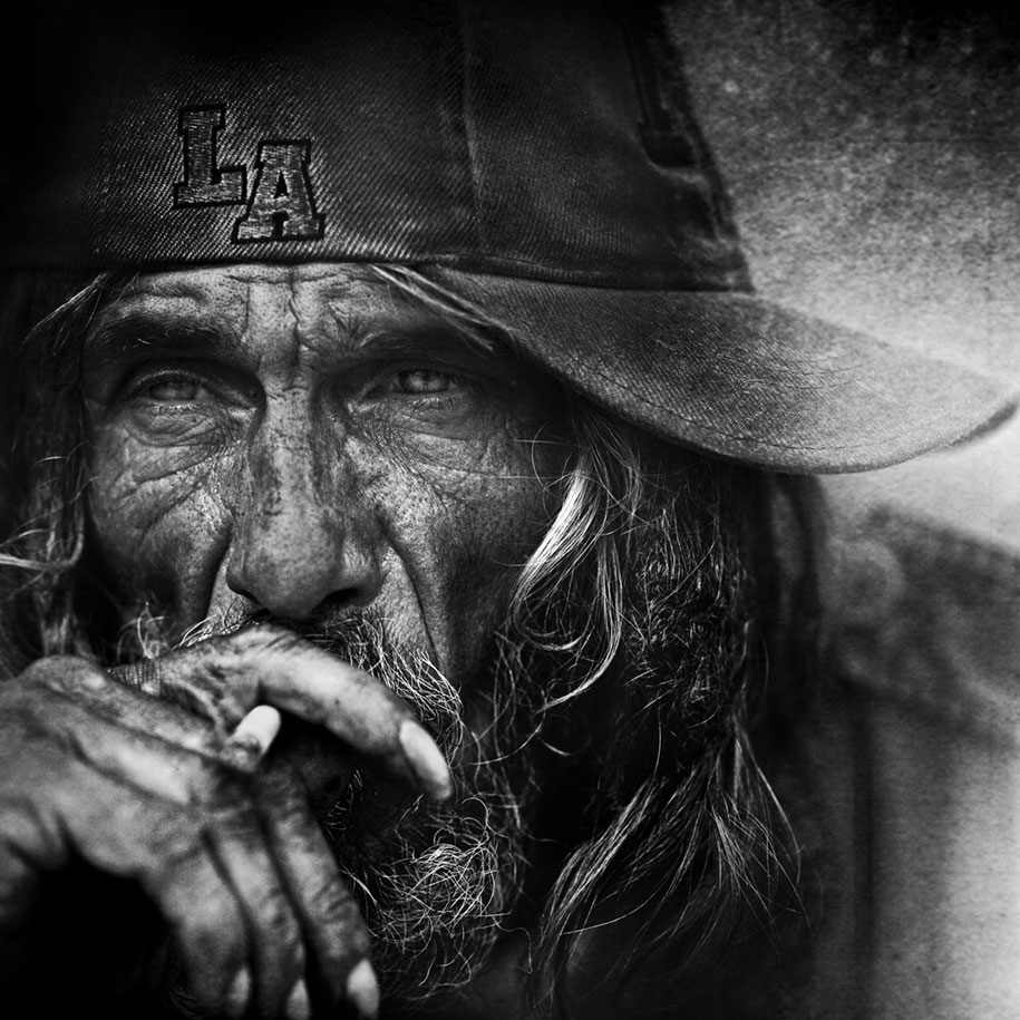 black-white-homeless-portraits-lee-jeffries-1