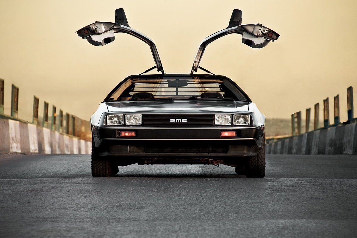 DeLorean-DMC-12-06