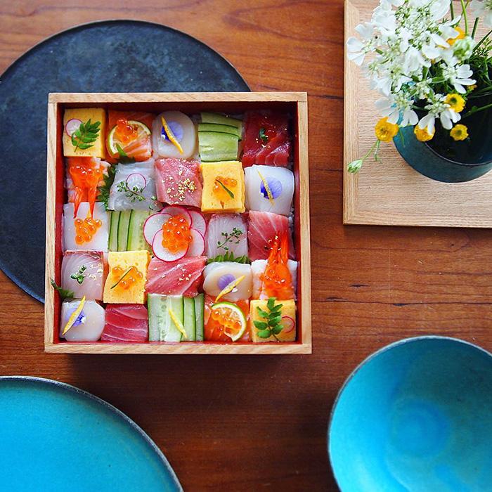 mosaic-sushi-15-57bfe93f32bad__700