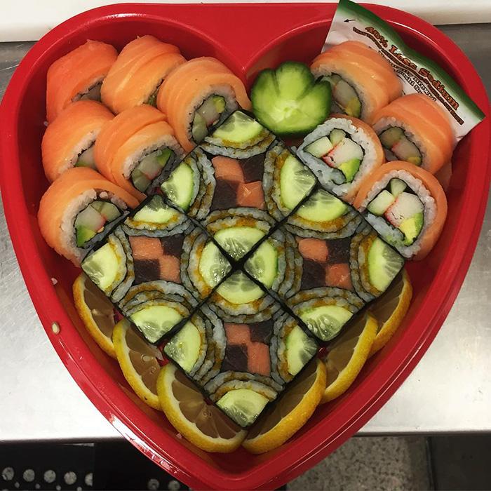 mosaic-sushi-17-57bfe9451093b__700