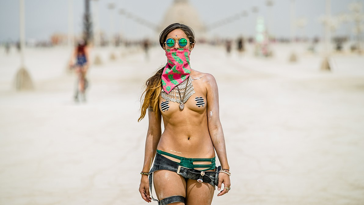 burning-man-girl-2