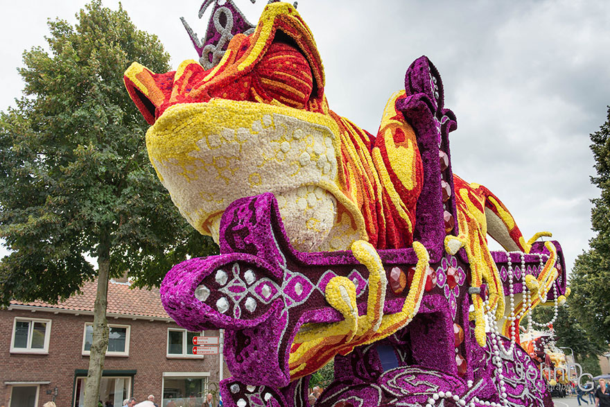 flower-sculpture-parade-corso-zundert-2016-netherlands-28