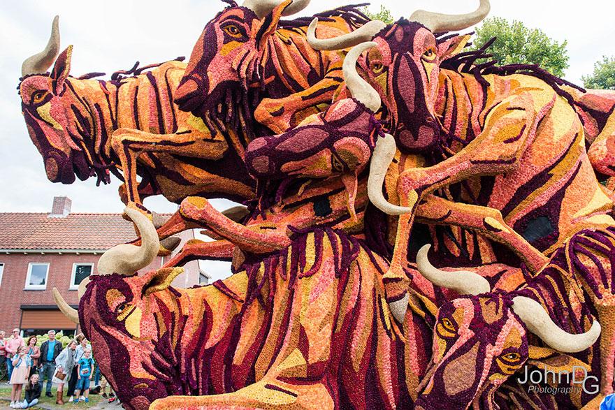flower-sculpture-parade-corso-zundert-2016-netherlands-30