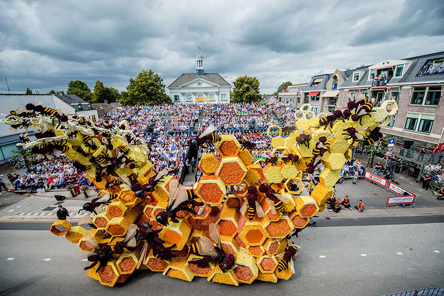 flower-sculpture-parade-corso-zundert-2016-netherlands-65