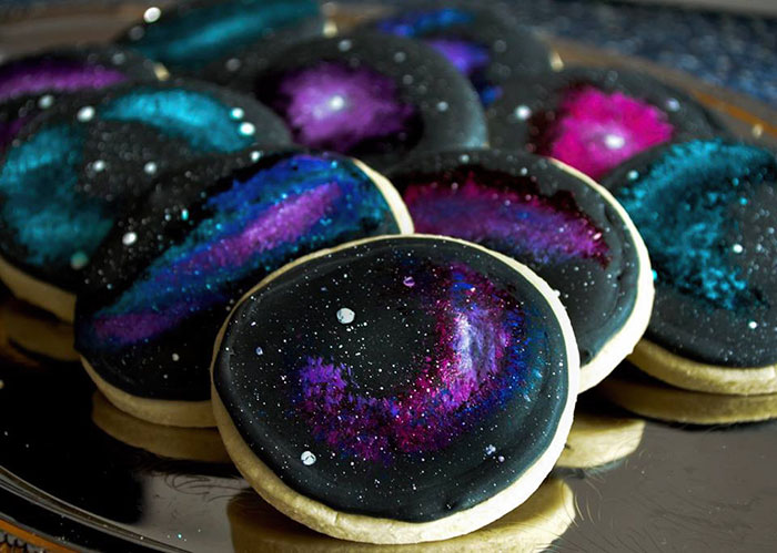 galaxy-cake-wedding-space-cupcakes-skozorbit-5
