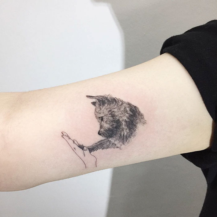 minimalist-tattoo-hongdam-korea-19-57e3a82c51d50__700