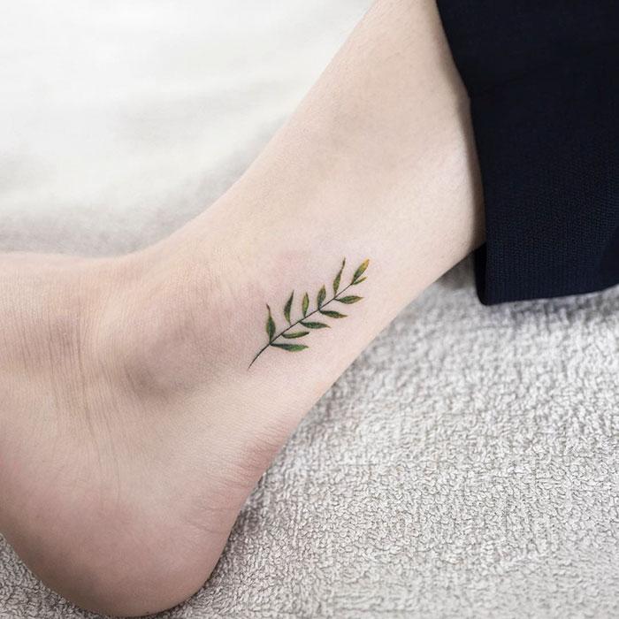 minimalist-tattoo-hongdam-korea-35-57e3a85580f77__700