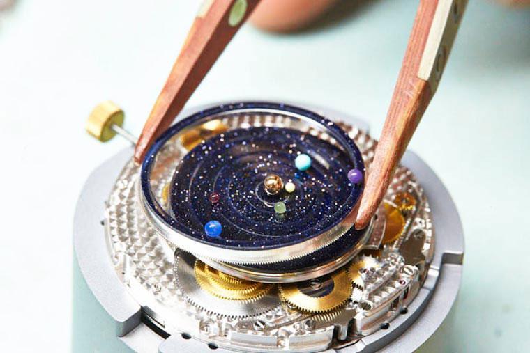 montre-planetes-interieur-montage