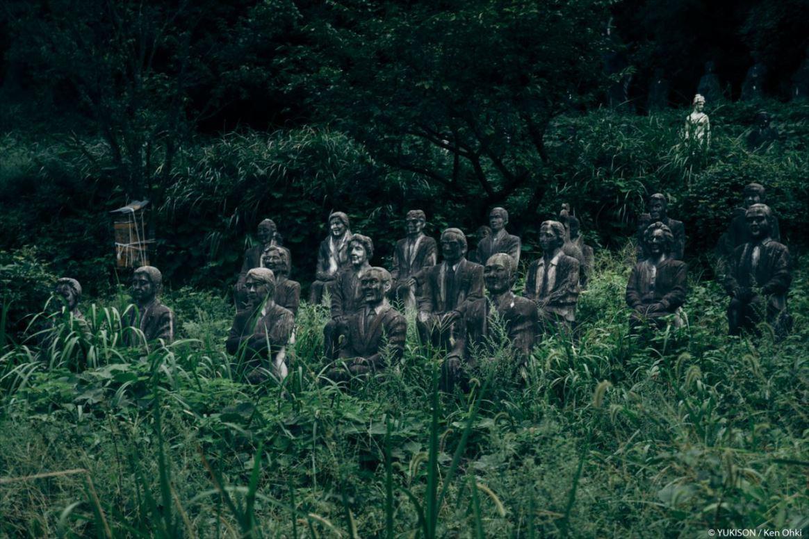 spooky-statues-11