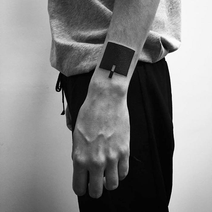 suprematism-inspired-digital-minimalist-tattoos-stanislaw-wilczynski-36-57d7b88c0f9fd__700