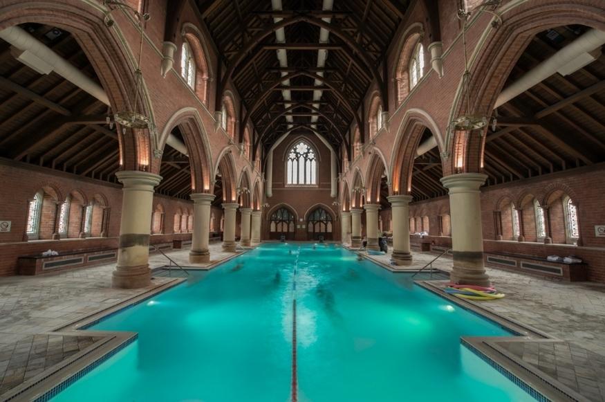 Palestra-nella-chiesa-di-Repton-Park-a-Londra