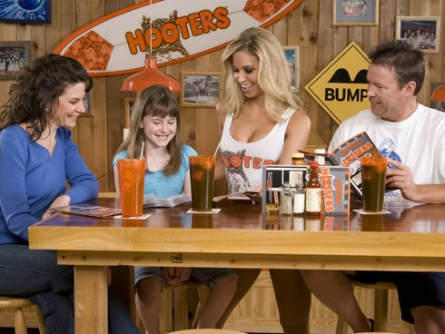 hooters-mothers-day-x-large