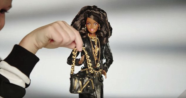 moschino barbie3