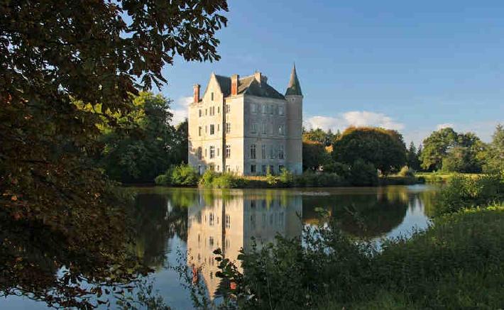 Vendono il loro bilocale a londra e si comprano un for Piani di casa in stile chateau francese