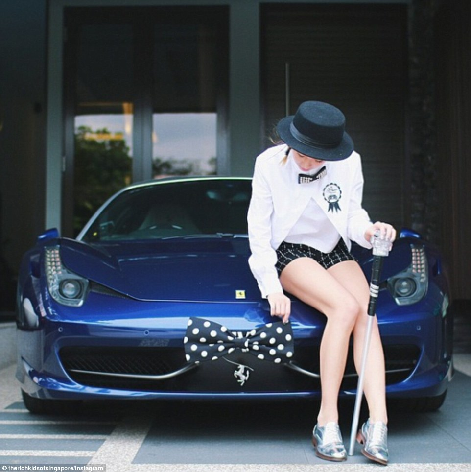 389cc60500000578-0-taking_a_bow_this_wealthy_woman_has_dressed_her_ferrari_up_in_a_-a-51_1474385986200