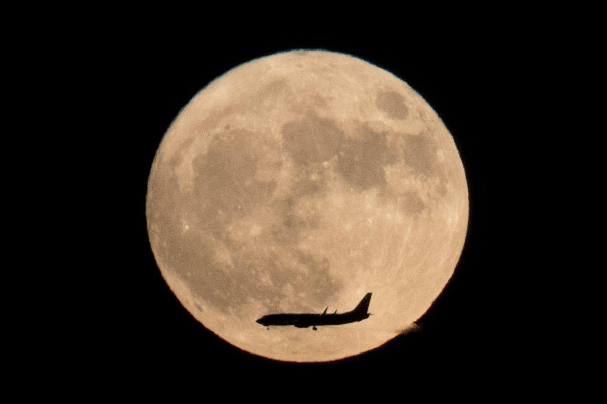 Super Luna, le migliori fotografie scattate ieri sera