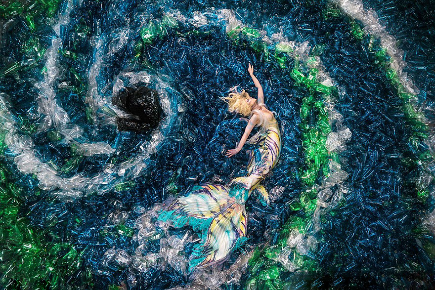 mermaids-hate-plastic-pollution-benjamin-von-wong-8