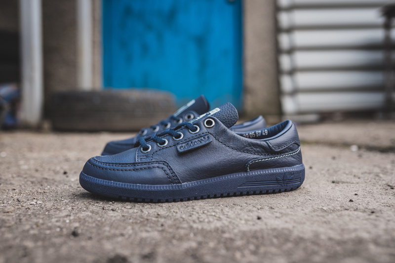 quality design 3ab13 c223d OASIS: Noel Gallagher disegna un paio di scarpe per l'Adidas ...