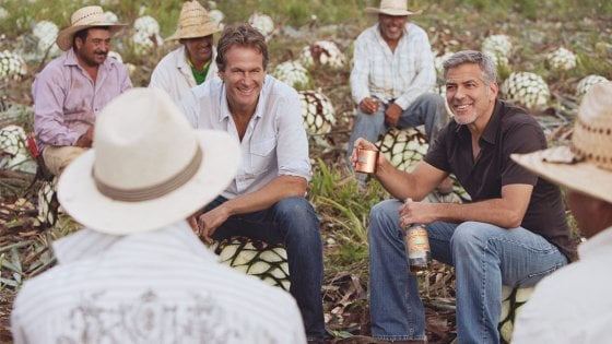 Ecco chi si beve la tequila di George Clooney