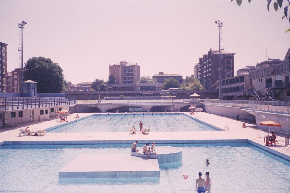 Le piscine di milano immortalate dal fotografo stefan - Piscina assago milano ...