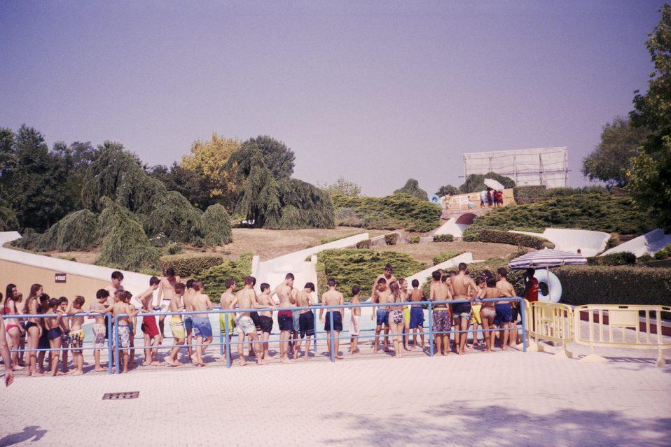 Le piscine di milano immortalate dal fotografo stefan giftthaler darlin magazine - Piscina acquatica park ...