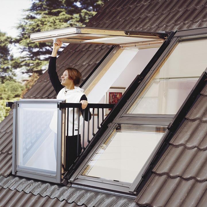 L 39 innovativa finestra che diventa un balcone darlin magazine for Velux finestre balcone