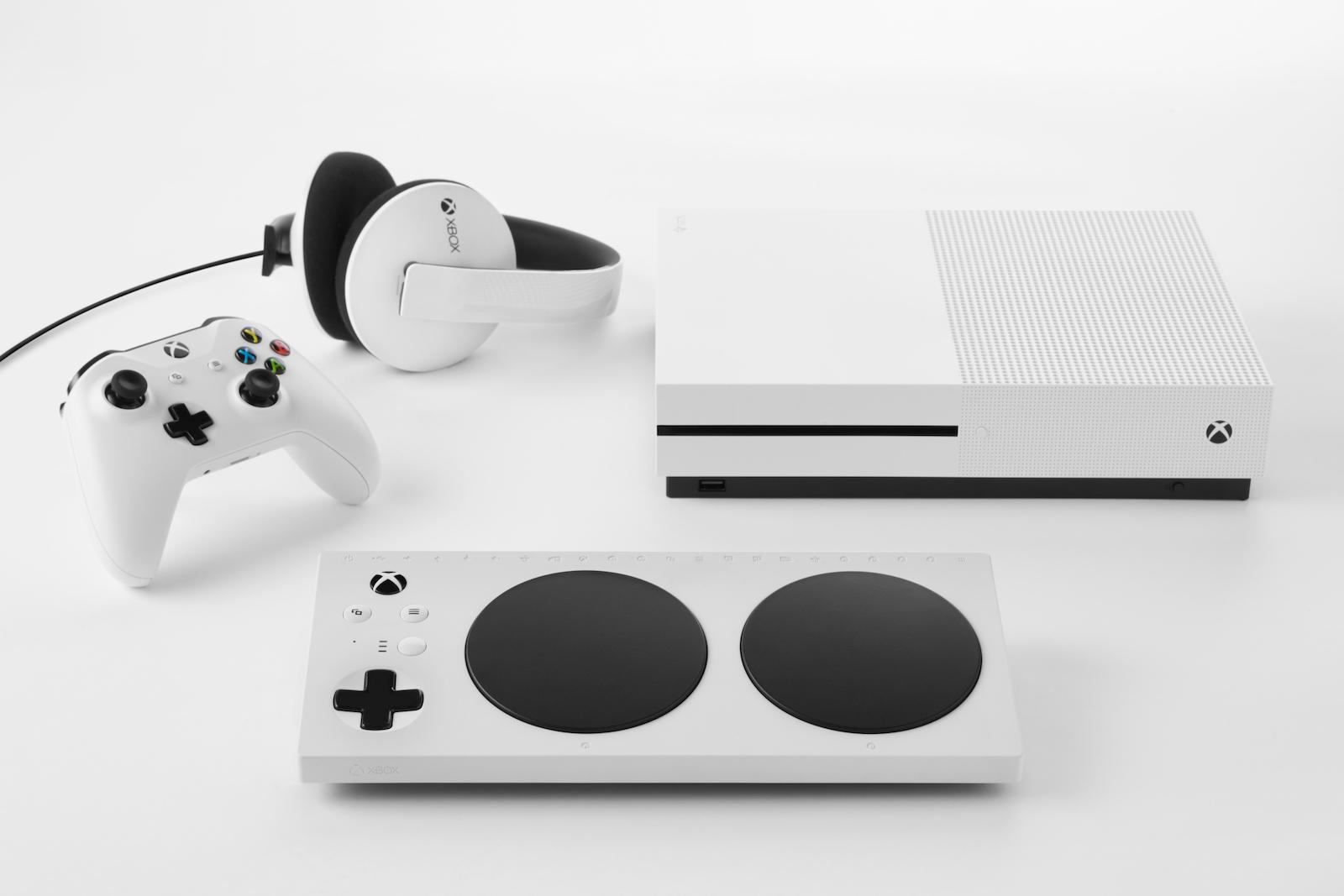 Xbox Adaptive Controller: Microsoft annuncia la periferica per giocatori con difficoltà motorie