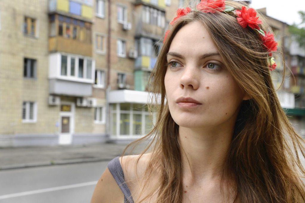 Parigi, la fondatrice delle Femen trovata morta in casa