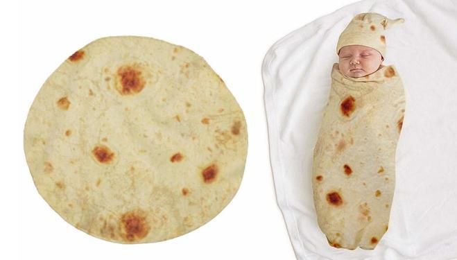 Arriva la coperta che trasforma i bimbi in burrito